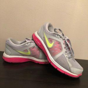 Nike Dual Fusion Size 7